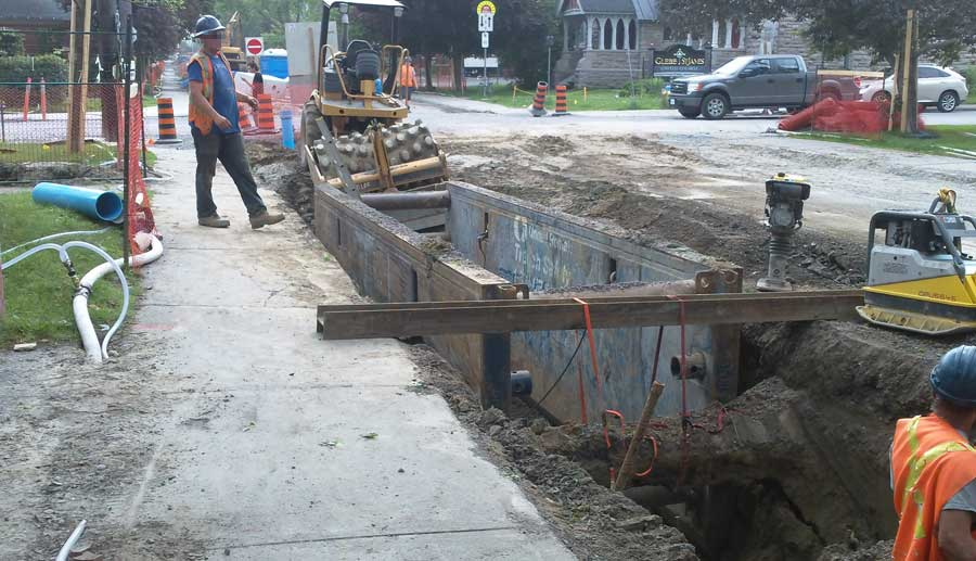 Workers on road reconstruction of First Avenue in the Glebe