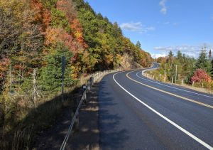 3.03_Fall in Algonquin Park_Highway 60 in Alonquin_MTO_Isabelle Garrow_Oct 2019